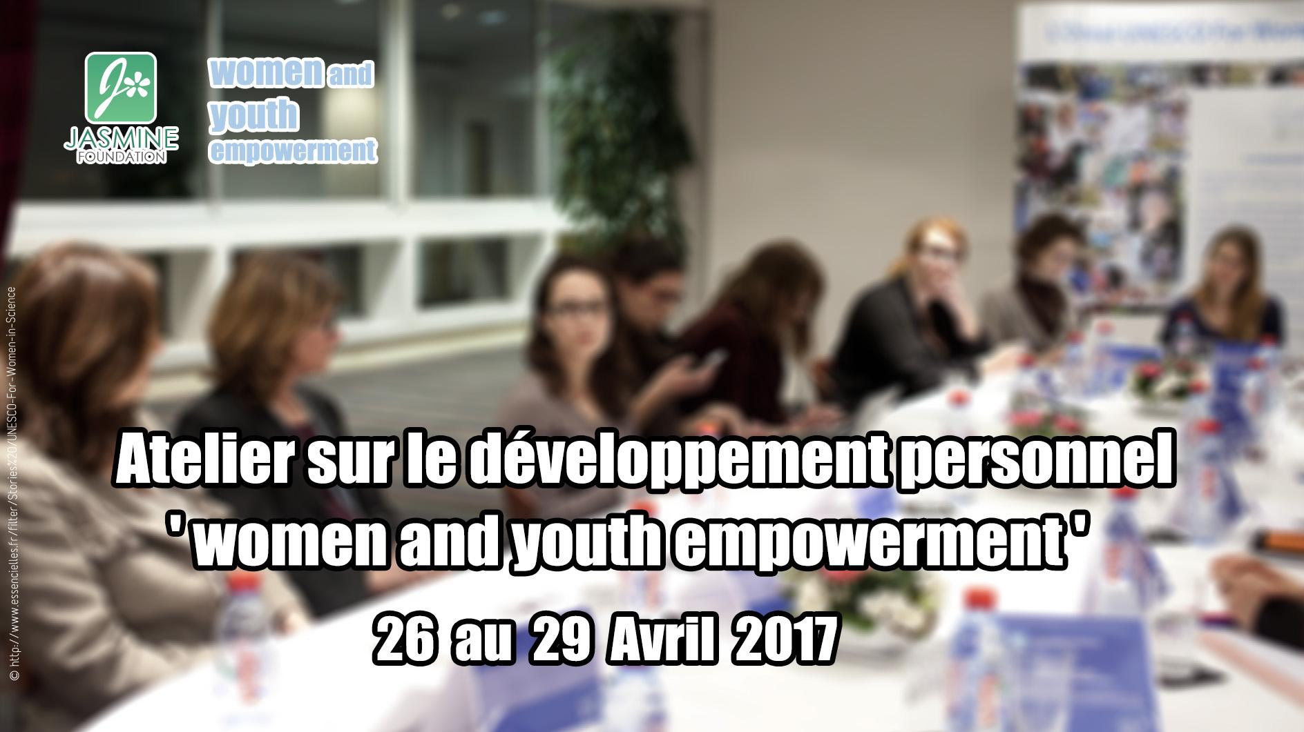 Jasmine organise un atelier sur le développement personnel (4)